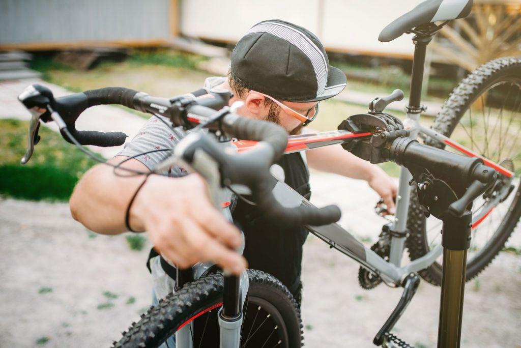 service professionnel de réparation de vélo